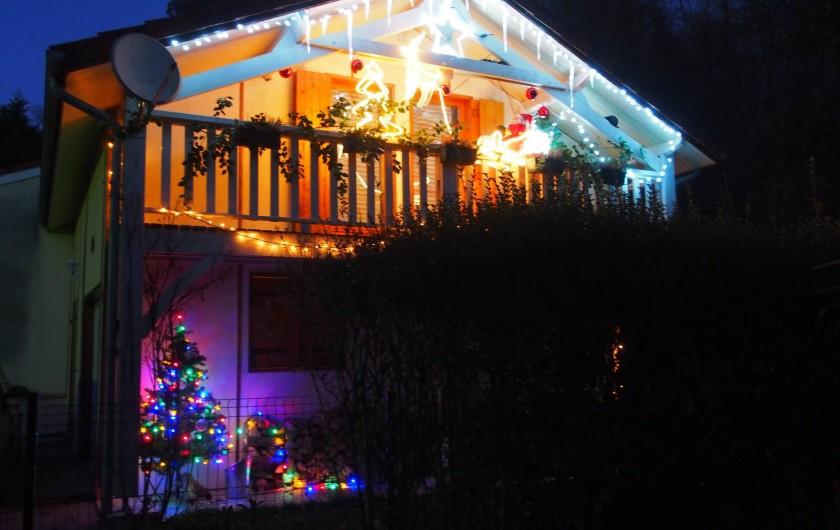 Location de vacances - Chalet à Saint-Gérons - Chalet décoré à Noël
