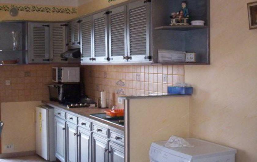 Location de vacances - Appartement à Saint-Martin-de-la-Brasque - coin cuisine