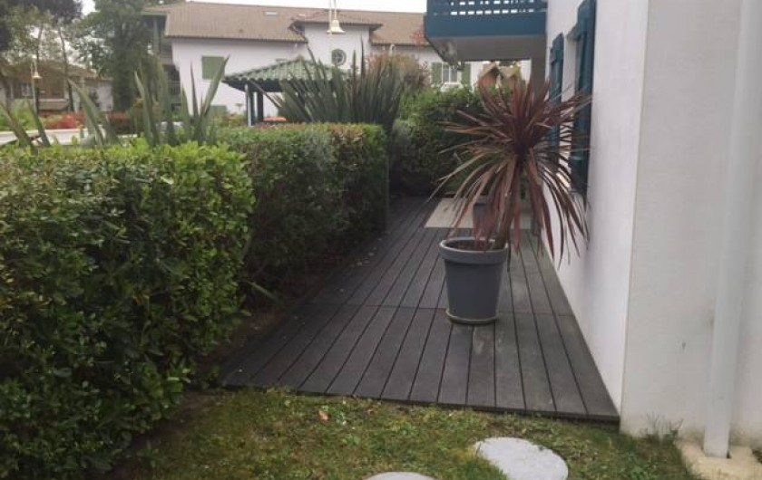 Location de vacances - Appartement à Soorts-Hossegor - l'entrée par le jardin