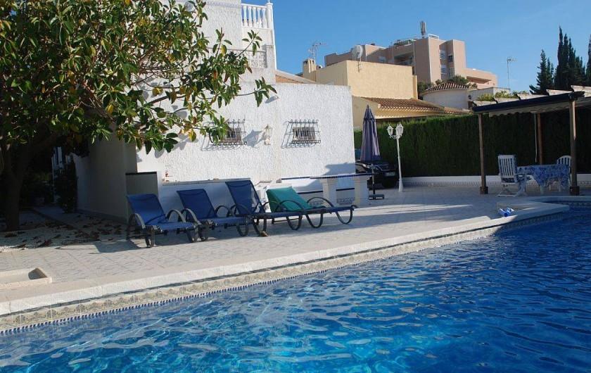 Location de vacances - Villa à La Zenia - arrière propriété côté piscine