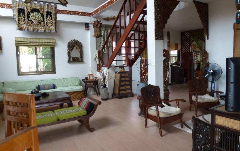 Location de vacances - Villa à Ko Samui - Séjour, montée vers mezzanine (chambre d'appoint)