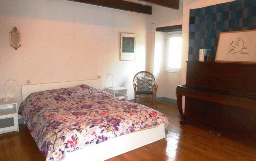 Location de vacances - Chambre d'hôtes à Tournon-d'Agenais - la chambre d'hôtes, spacieuse...