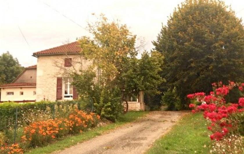 Location de vacances - Chambre d'hôtes à Tournon-d'Agenais - L'arrivée sur notre maison
