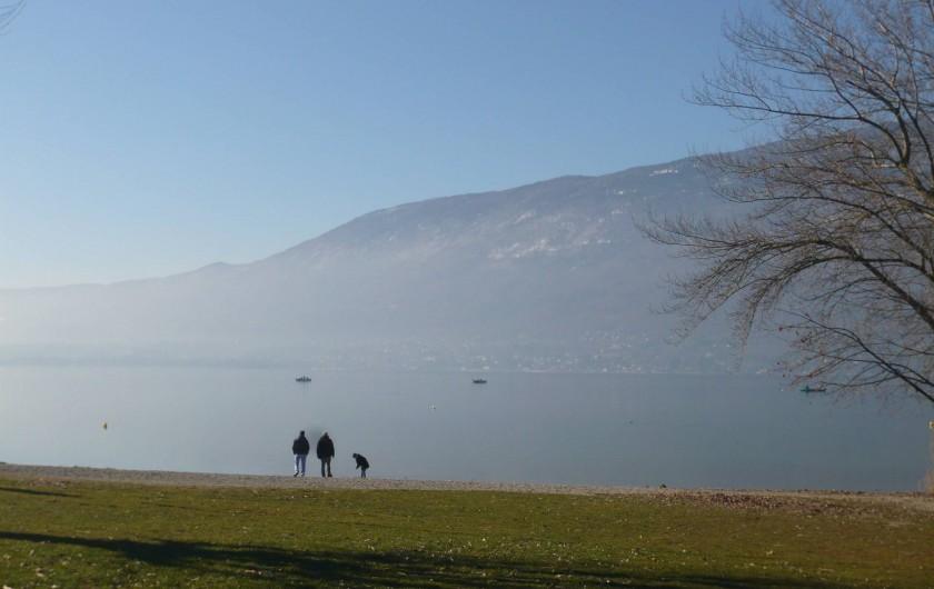 Location de vacances - Maison - Villa à Cusy - Promenade au bord du lac