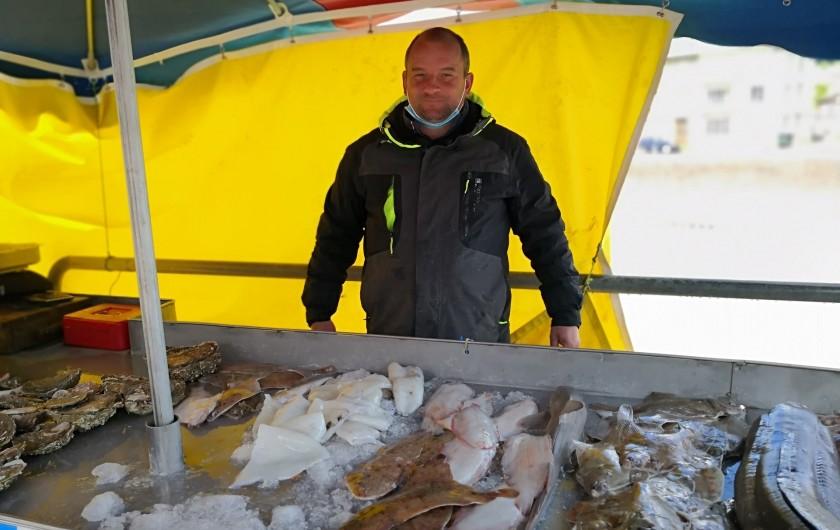 Location de vacances - Appartement à Saint-Valery-en-Caux - Vente de poissons  Pêche du jour.