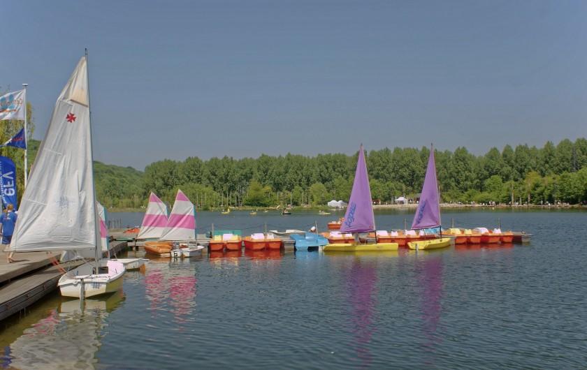 Location de vacances - Appartement à Saint-Valery-en-Caux - Le lac de Caniel et ses jeux nautiques