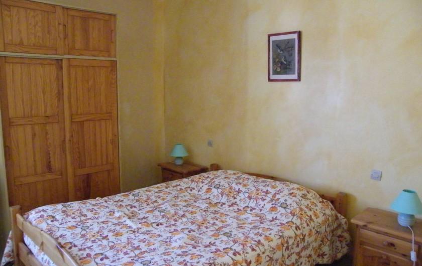 Location de vacances - Gîte à Gargas - Chambre avec lit double