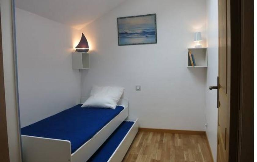 Location de vacances - Gîte à Magescq - la chambre faisant face au jaccuzzi 5 places
