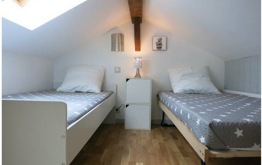 """Location de vacances - Gîte à Magescq - la chambre """"cabanne"""" sous le toit idéale pour les jeunes... en 1 ou en 2 lits"""