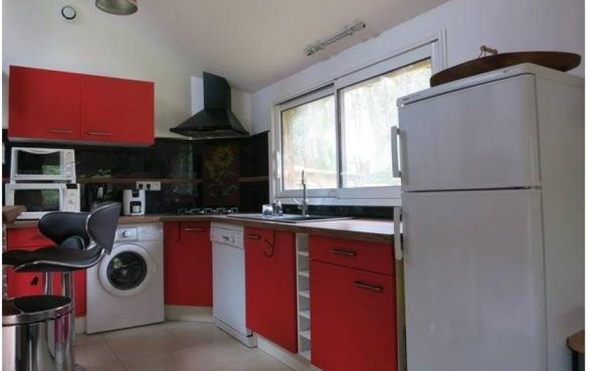 """Location de vacances - Gîte à Magescq - la cuisine équipée comme """"à la maison"""""""