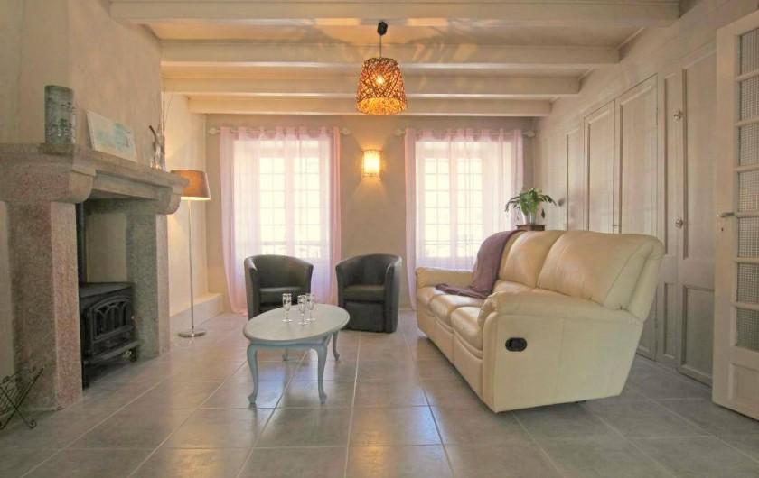 Location de vacances - Maison - Villa à Barfleur - Salon avec cheminée (poêle à bois)