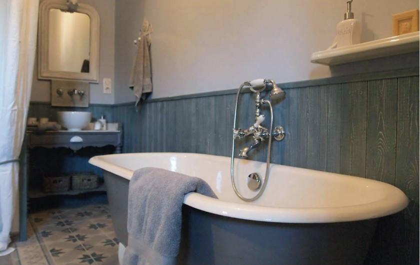 Location de vacances - Chambre d'hôtes à Saint-Saturnin-lès-Avignon - Coin bain Angevine
