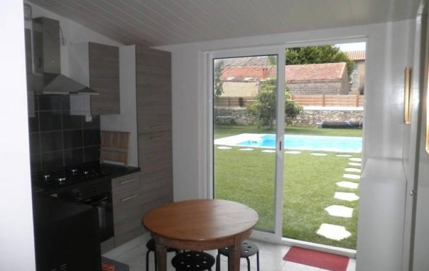 Location de vacances - Appartement à Châteauneuf-de-Gadagne - cuisine RdC