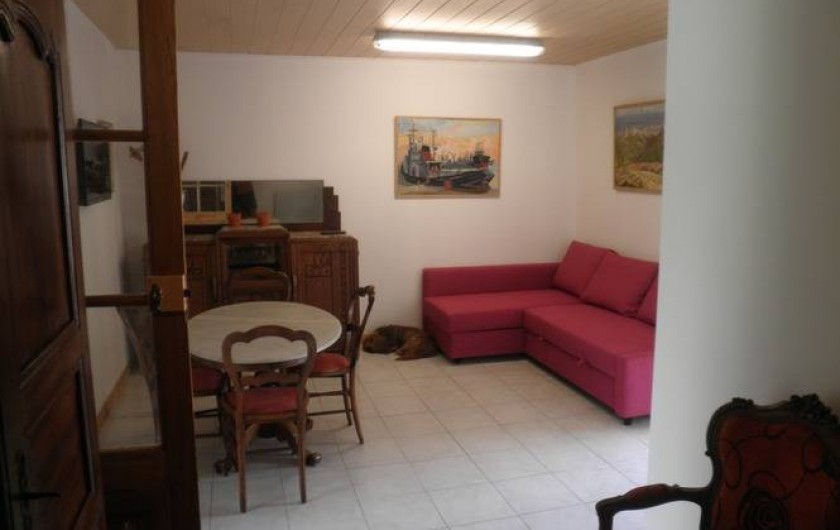 Location de vacances - Appartement à Châteauneuf-de-Gadagne - séjour RdC