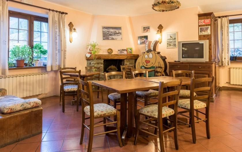 Location de vacances - Hôtel - Auberge à Rhêmes-Notre-Dame - Salle tv