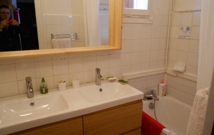 Location de vacances - Chalet à Vars - salle de bain baignoire