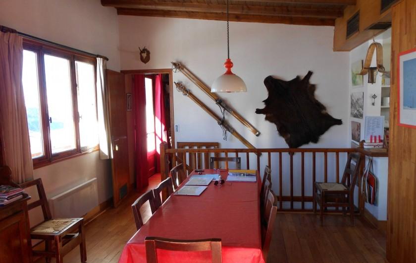 Location de vacances - Chalet à Vars - pièce principale sous un autre angle