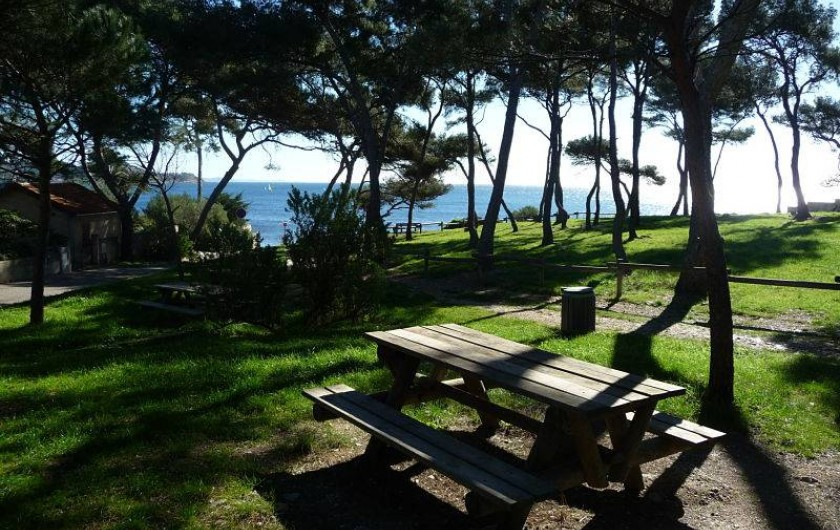 Location de vacances - Villa à La Seyne-sur-Mer - Petit Parc entre la Villa et La Verne