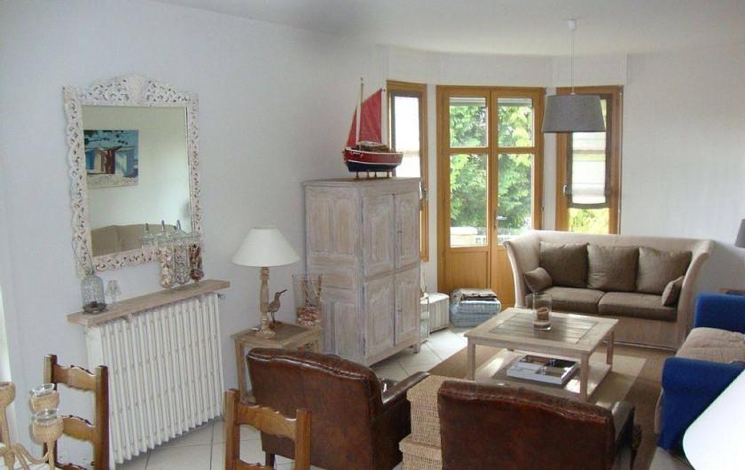 Location de vacances - Villa à Dinard - Coté séjour très lumineux