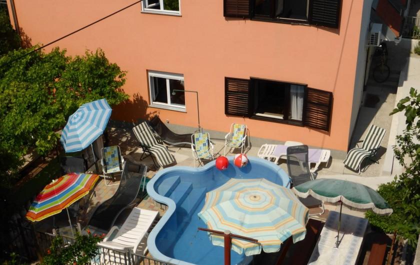 Location de vacances - Appartement à Vodice - Piscine