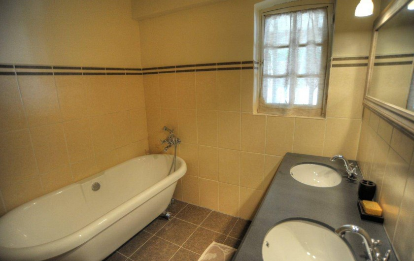 Location de vacances - Villa à Saint-Tropez - Salle de bain rdc