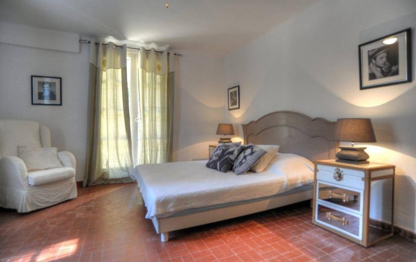 Location de vacances - Villa à Saint-Tropez - Chambre 4 Travel