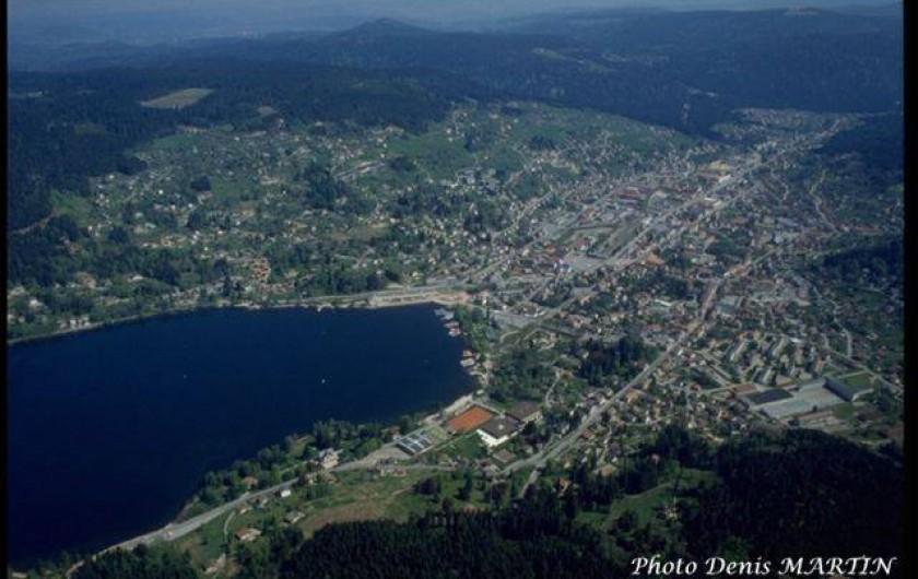 Location de vacances - Hôtel - Auberge à Tendon - Vue sur le Lac de Gérardmer à 18 km