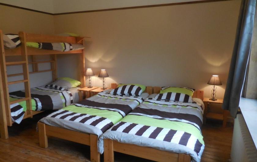 Location de vacances - Gîte à Mettet - Chambre 4 personne