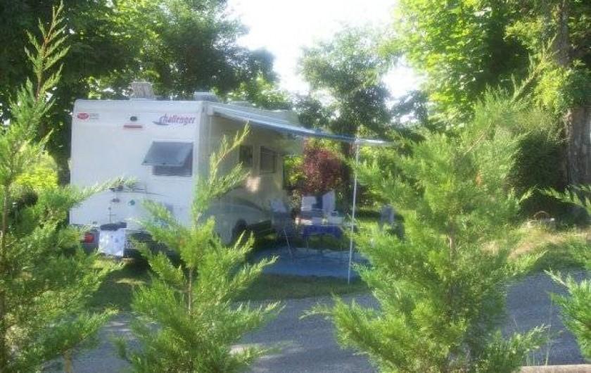 Location de vacances - Bungalow - Mobilhome à Villefranche-du-Périgord - Emplacement ombragé