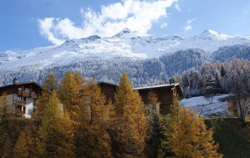 Location de vacances - Appartement à Lanslevillard - Vue de la maison, sur le domaine skiable (ski de fond, ski de piste)