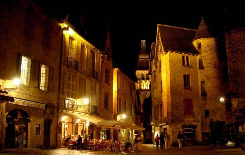 Location de vacances - Maison - Villa à Sarlat-la-Canéda - Sarlat la nuit
