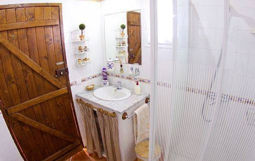 Location de vacances - Villa à Estreito da Calheta - Salle de bain au rés-de-chaussée (à léxtérieur)