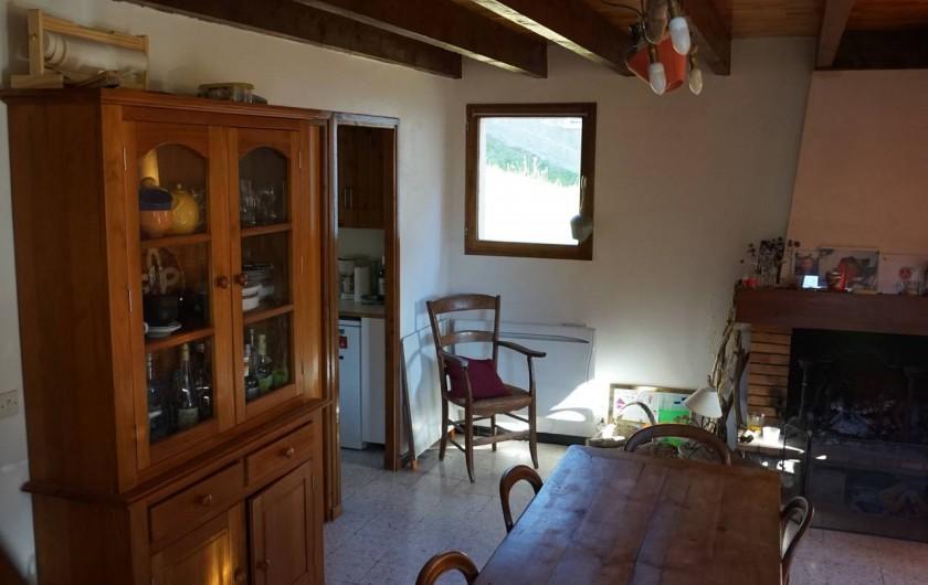 Location de vacances - Chalet à Seyne - salon salle a manger