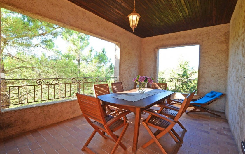Location de vacances - Villa à Porto-Vecchio - TERRASSE COUVERTE grande villa