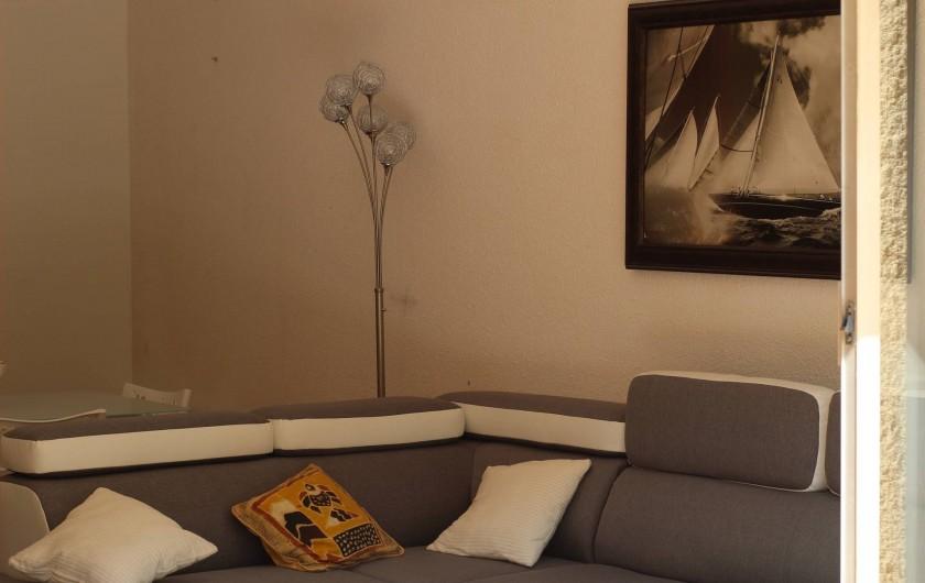 Location de vacances - Appartement à Bandol - SALON