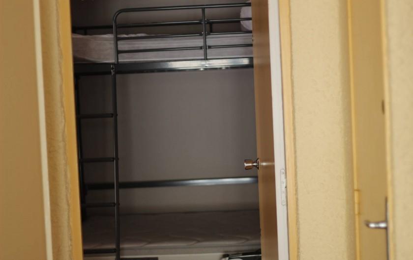 Location de vacances - Appartement à Bandol - LITS SUPPERPOSES