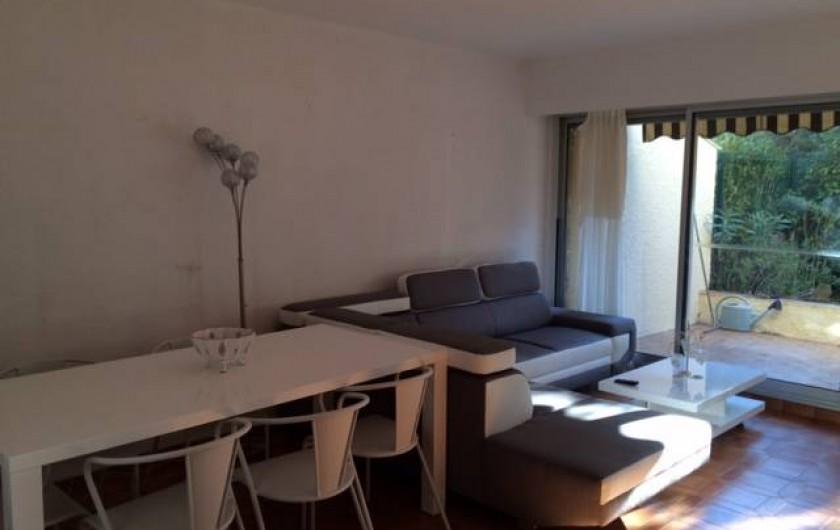 Location de vacances - Appartement à Bandol - SALLE A MANGER SALON