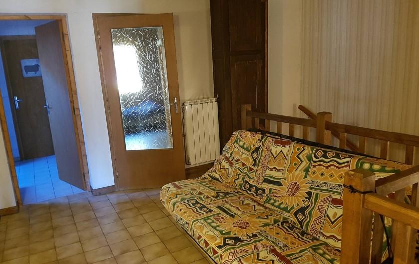 Location de vacances - Appartement à Samoëns - vestibule de l'étage