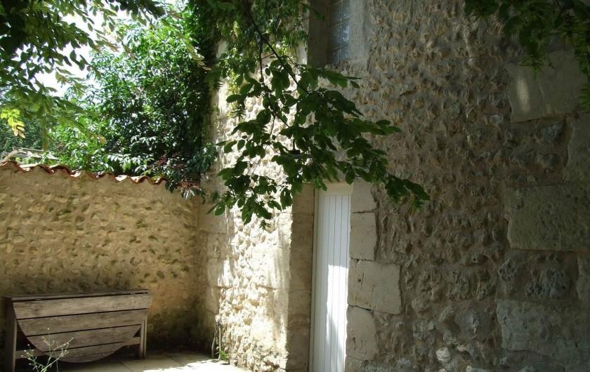 Location de vacances - Gîte à Douchapt - Atmosphère des vielles pierres