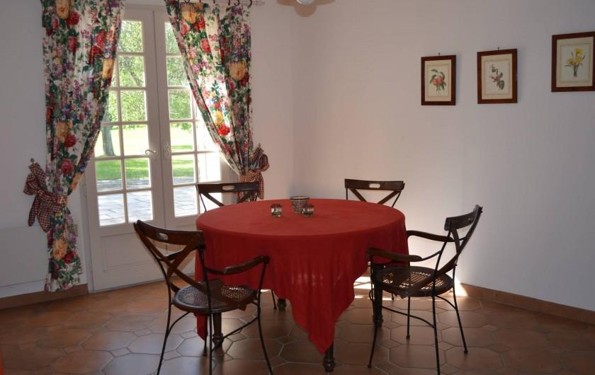 Location de vacances - Gîte à Douchapt - Salle à manger