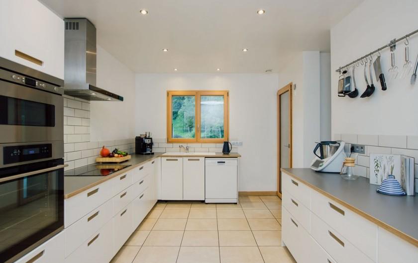 Chalet lumineux et spacieux, 5 chambres +sdb, sauna, jacuzzi et vue ...