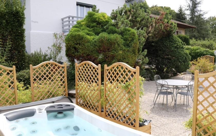 Location de vacances - Appartement à Aix-les-Bains - L'ambiance alcôve, détente assurée
