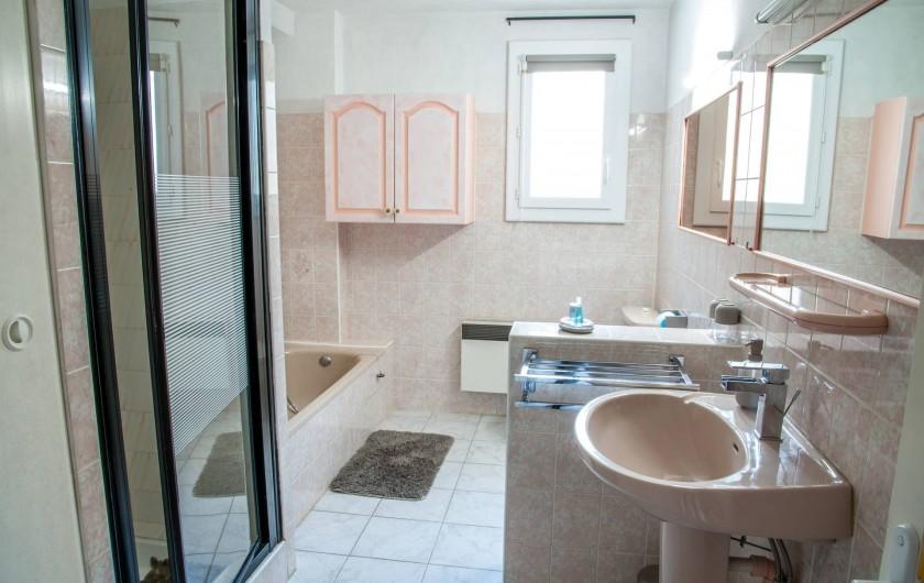 Location de vacances - Gîte à Béziers - Salle de bains Gîte