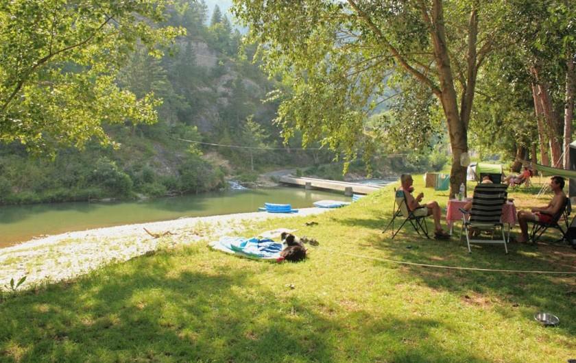 Location de vacances - Camping à Castelbouc - Un de nos emplacements en bordure du Tarn