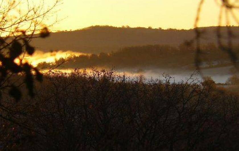Location de vacances - Gîte à Lentillac-du-Causse - lever de soleil sur le Causse