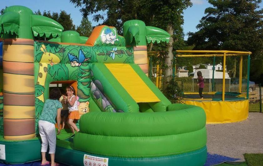 Location de vacances - Camping à Wacquinghen - structure gonflable en  juillet- aout