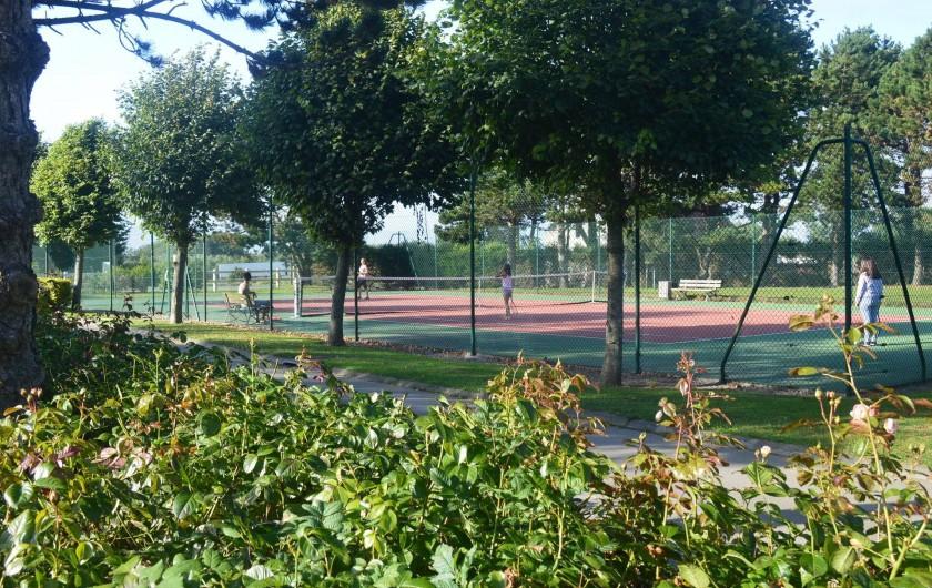 Location de vacances - Camping à Wacquinghen - tennis (gratuit)