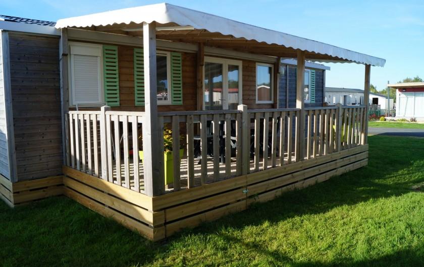 Location de vacances - Bungalow - Mobilhome à Grandcamp-Maisy - Terrasse couverte