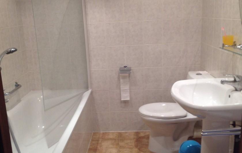 Location de vacances - Maison - Villa à Portiragnes Plage - salle de bains de l'étage