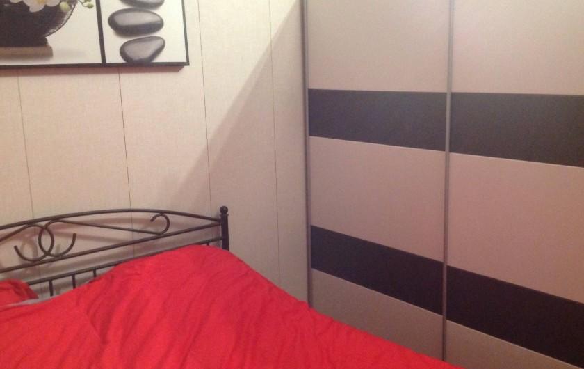 Location de vacances - Maison - Villa à Portiragnes Plage - Chambre principale 1 lit 2 pers  160 x 200